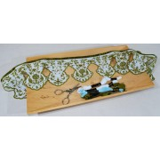 Tuto embroidered shelf edging